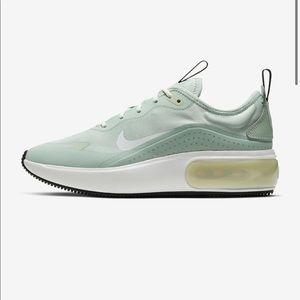 Nike Air Max Dia Mint color